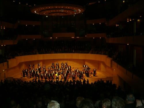 Blumen für J.E. Gardiner in der Philharmonie Essen
