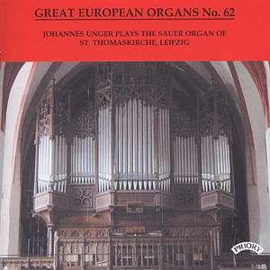 Organist Johannes Unger an der großen Sauer-Orgel der Thomaskirche in Leipzig