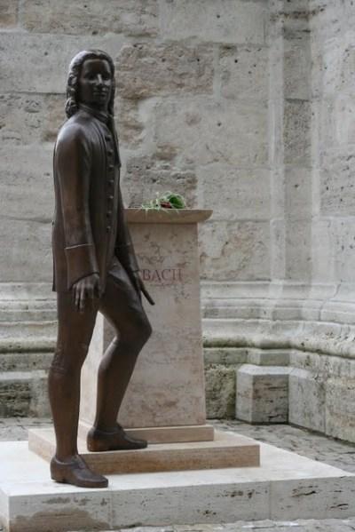 J.S. Bach-Denkmal vor der Divi Blasiikirche Mühlhausen-Thüringen