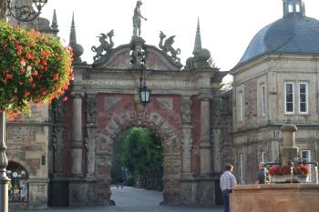 Das Eingangstor zum Bückeburger Schloss (Fotorechte: V. Hege)
