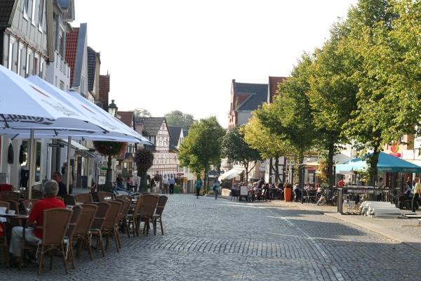 Gastliche Einkaufsstrasse in Bückeburg-Niedersachsen (Fotorechte: V.Hege)