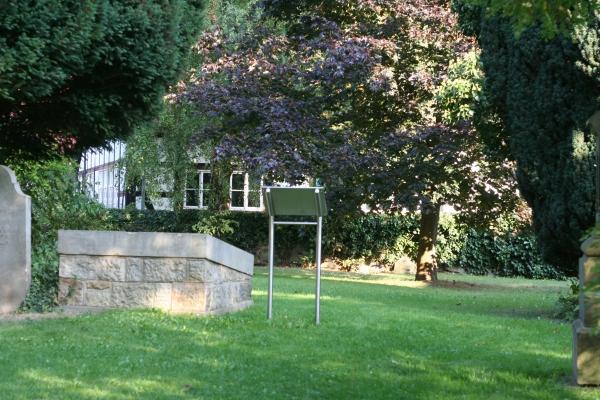 Sicht auf die Grabstätte von Johann Christoph Friedrich Bach