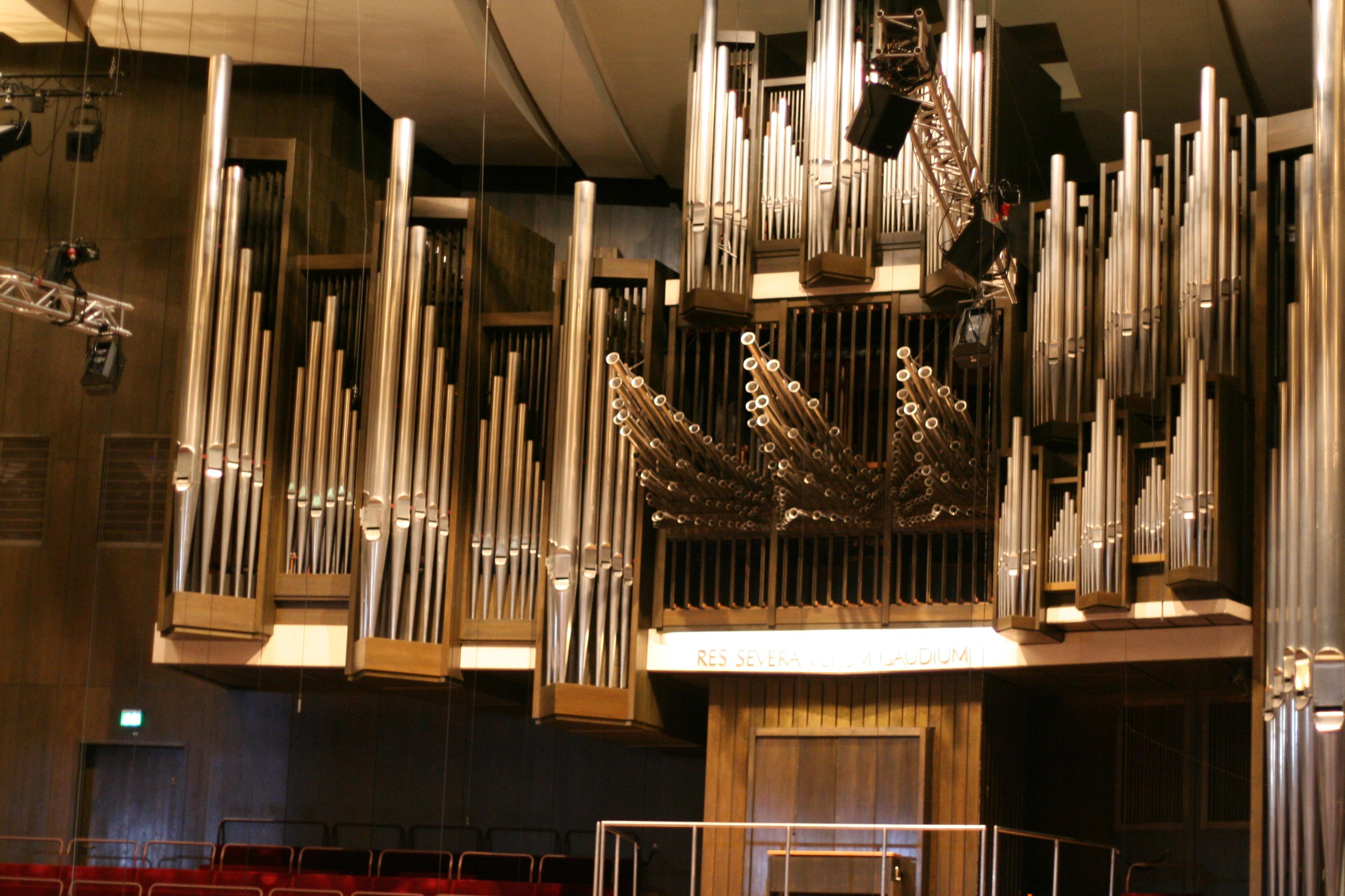 Johannes Brahms - Symphony 3 In F, Op 90 - Academic Festival Overture, Op 80