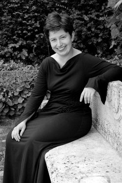 Kati Debretzeni, © Joe Plommer