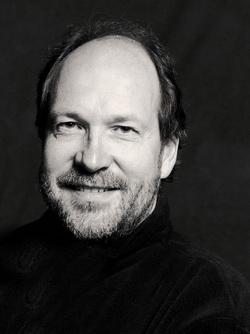 Peter Kooij, Bass