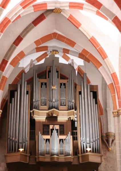 Die Bach-Wender-Schuke-Orgel in der Kirche Divi Blasii in Mühlhausen. 1707 Juli trat J.S. Bach die Stelle als Organist von Divi Blasii in Mühlhausen an, am 17. Oktober 1707 Trauung mit Maria Barbara Bach in Dornheim