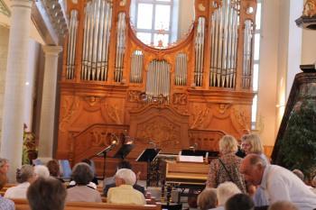 Voll besetzte Reihen in der Ev. reformierten Kirche Trogen am 17.8.2012