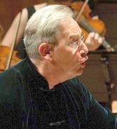 Dirigent Sir J.E. Gardiner Foto: © Bea Kallos/dpa