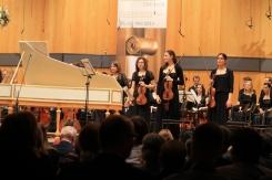 Applaus für das Werk von Johann Ludwig Krebs (1713–1780) Doppelkonzert für Oboe und Cembalo h-Moll. Solist: József Kiss, Oboe