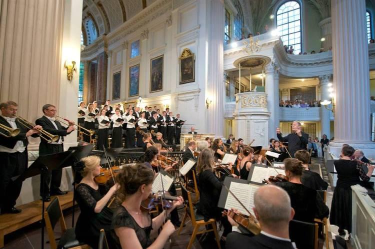 BachFest 2013 Leipzig Nikolaikirche Auferstehung und Himmelfahrt mit Naturtrompeten links: Foto: Gert Mothes