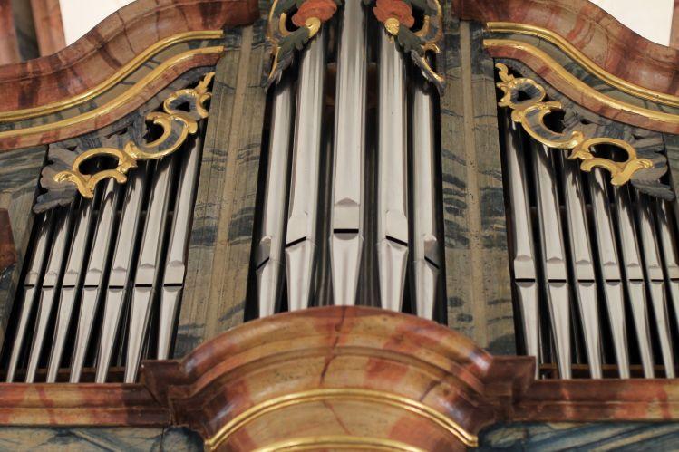 Orgel in der St. Michels  Kirche von Stalden (Wallis-Schweiz) Orgelprospekt aus dem 17. Jahrhundert..!!