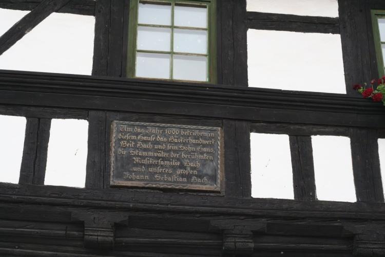 Erinnerungstafel auf die Bache am Bachmuseum in Wechmar-Thüringen