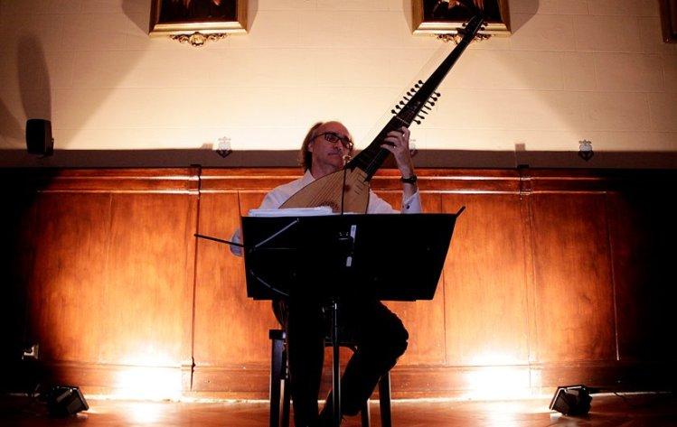 Andreas Martin (Laute) en el seu recital del BACH ÍNTIM (BACHCELONA)