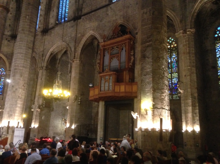 Basilika Santa Maria del Mar  (Barcelona) mit der Orgel