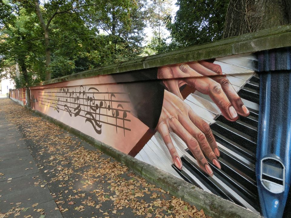 Die Mauer am Thomaner-Alumnat in Leipzig wurde neu gestaltet.