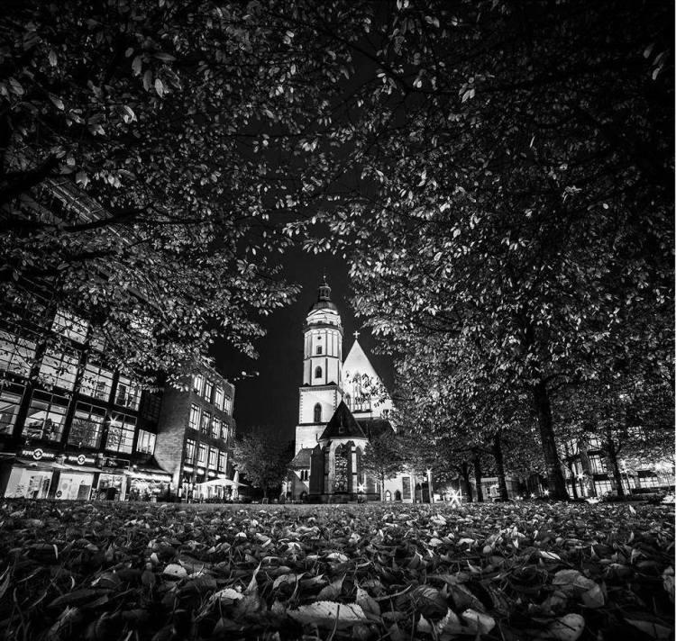 Leipzig in Schwarz Weiß mit der Thomaskirche