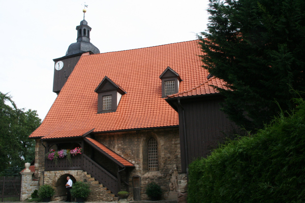 Die Trauungskirche von Johann Sebastian Bach - St. Bartholomäi-Kirche  in Dornheim. Am 17. Oktober 1707 heiratete Johann Sebastian Bach in der Dornheimer Kirche seine Cousine 2.Grades Maria Barbara Bach.