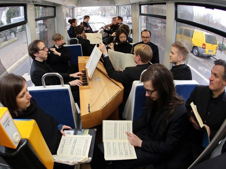 Leipzig feiert J.S. Bach''s 330 Geburtstag an ungewöhnlichen Orten und Plätzen..!!