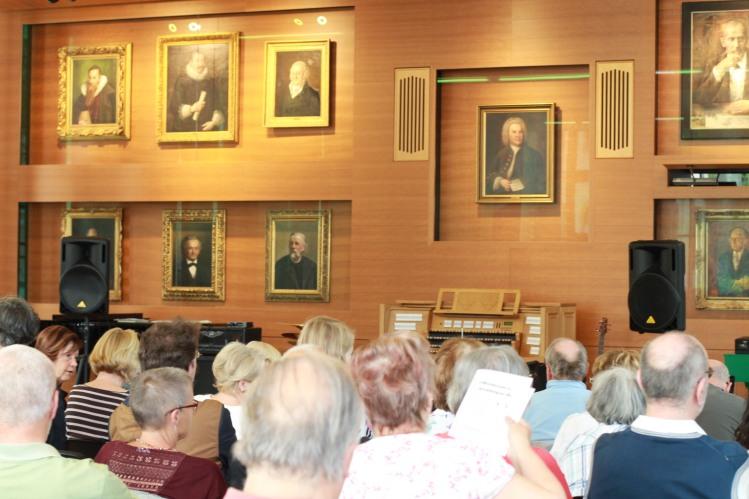 Der neue Musiksaal im Thomaner-Alumnat Leipzig mit den Gemälden der ehemaligen Thomaskantoren