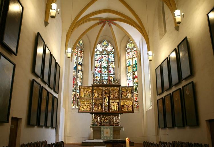 Der Paulineraltar ist aus der Thomaskirche ist wieder überführt worden ins Paulinum am Augustusplatz.