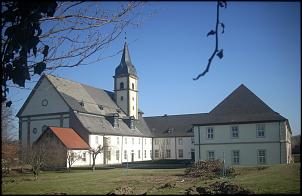 Die Stiftskirche St. Georg ist eine bedeutende Barockkirche im Goslarer Ortsteil Grauhof.